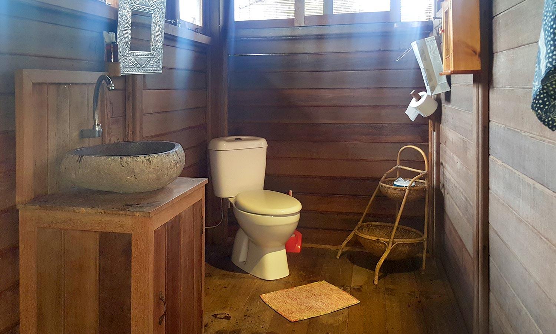 Bali Silent Retreat Bungalow bathroom