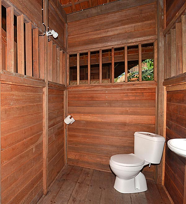 Bungalow toilet