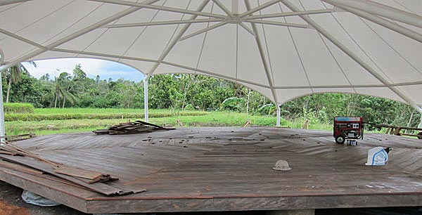 Meditasi octagon and deck – just needs a good cleaning.