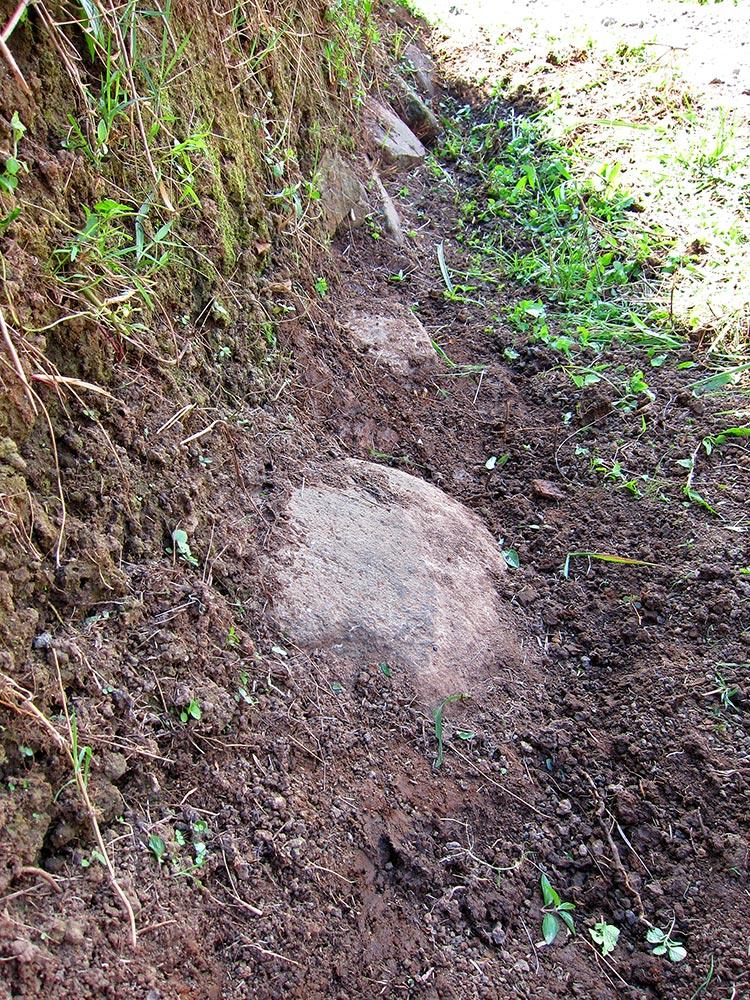 Found the original foundation stones from ashram in 1487.