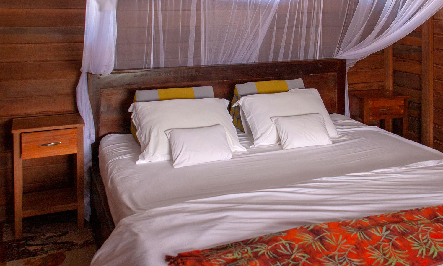 Deluxe Bungalow King bed